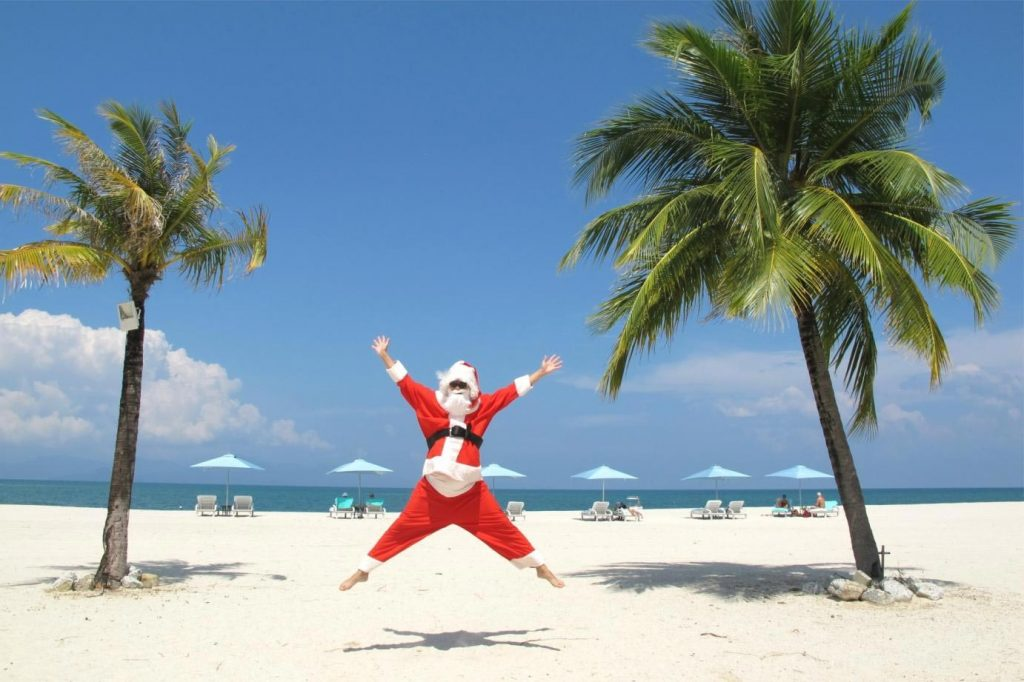 christmas-in-summer-the-sea-the-sun-and-the-tree-all-inclusive-4