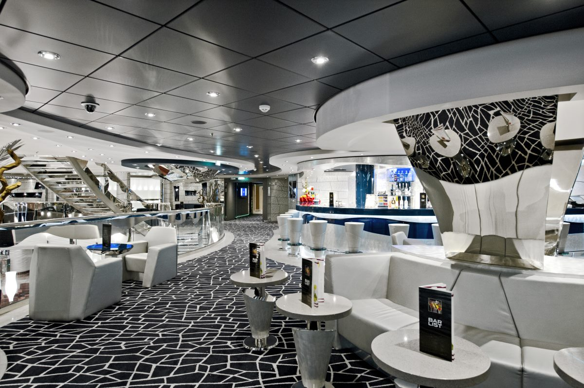 cruise-on-the-liner-msc-divina-3