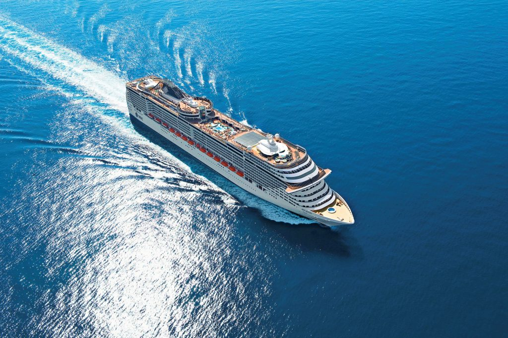 cruise-on-the-liner-msc-divina-7