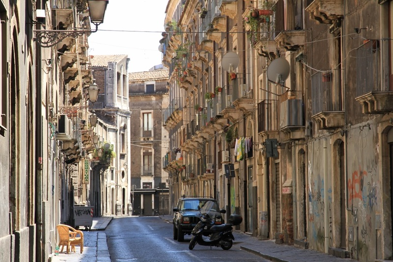 sicily-catania-a-city-in-the-shadow-of-the-volcano-etna2